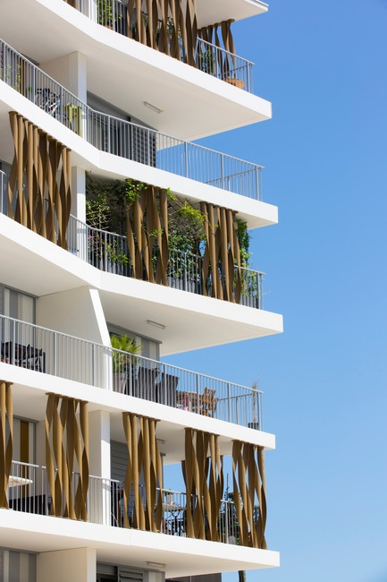 Press kit | 921-11 - Press release | 87-Apartment Housing Complex «Lez-in-Art» in the Left Bank ZAC (SERM) in Montpellier - France - NBJ architectes - Residential Architecture - View of the balconies (zoom) - Photo credit:  ©photoarchitecture.com