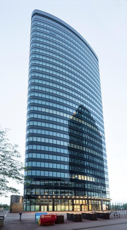 Dossier de presse | 3077-01 - Communiqué de presse | ORBI Tower - Zechner & Zechner ZT GmbH - Commercial Architecture - from ouside - Crédit photo : Photographs: www.pierer.net