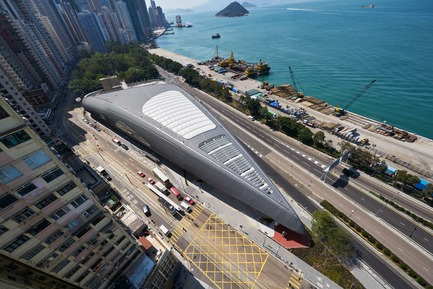 Press kit | 1474-01 - Press release | Hong Kong's Kennedy Town Swimming Pool - Farrells - Commercial Architecture - The building's form was inspired by the concept of a shell, as well as the unique triangular site. - Photo credit: Farrells