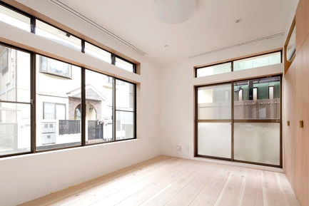 Press kit | 3116-01 - Press release | House for Four Generations - tomomi kito architect & associates - Residential Interior Design - 1F private space - Photo credit: satoshi shigeta