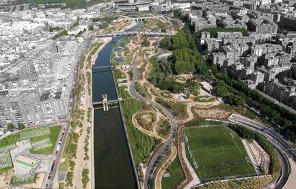 Press kit | 3076-01 - Press release | Madrid Rio. Une nouvelle écologie urbaine - Burgos & Garrido; Porras La Casta; Rubio & A-Sala et West 8 [Ginés Garrido, directeur du projet] - Landscape Architecture - Aerial view - Photo credit:  Courtesy of the authors of the project