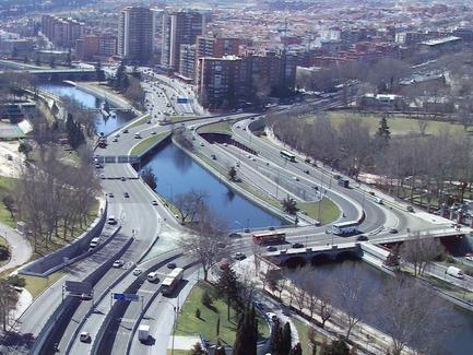 Press kit | 3076-01 - Press release | Madrid Rio. Une nouvelle écologie urbaine - Burgos & Garrido; Porras La Casta; Rubio & A-Sala et West 8 [Ginés Garrido, directeur du projet] - Landscape Architecture - Before - Photo credit: Courtesy of the authors of the project