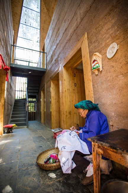 Dossier de presse | 661-44 - Communiqué de presse | Post-Earthquake Prototype House is Crowned World Building of The Year 2017 at the WAF - World Architecture Festival (WAF) - Architecture commerciale - Post-earthquake reconstruction/demonstration project of Guangming Village by The Chinese University of Hong Kong, winner of World Building of the Year 2017 - Crédit photo : World Architecture Festival