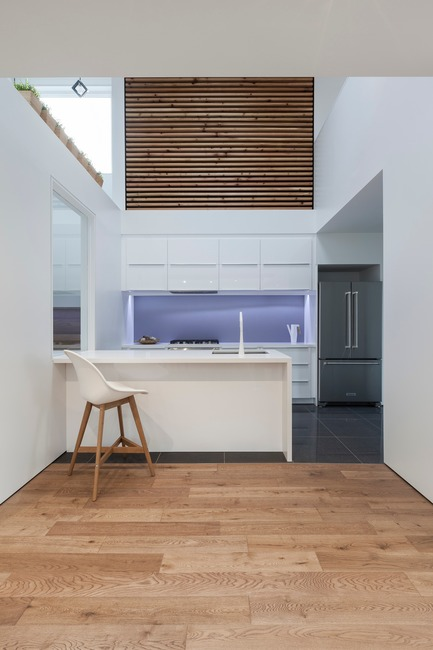 Press kit | 3057-01 - Press release | Flipped House - Atelier RZLBD - Residential Architecture - Flipped House, kitchen area - Photo credit: Borxu