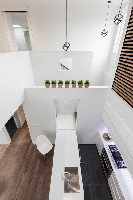 Press kit | 3057-01 - Press release | Flipped House - Atelier RZLBD - Residential Architecture - Flipped House, looking from the family room towards the kitchen - Photo credit: Borxu