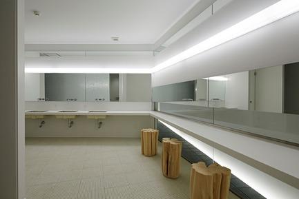 Dossier de presse | 3153-01 - Communiqué de presse | Green Triangle – Aoyama 346 - Ryuichi Sasaki + Rieko Okumura/ Sasaki Architecture - Architecture commerciale - Crédit photo : Koichi Torimura