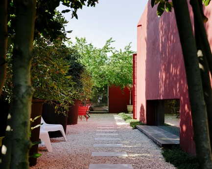 Press kit | 2926-01 - Press release | GOM House - (ma!ca) architecture - Residential Architecture - narrow garden - Photo credit: Julien Kerdraon