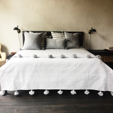 Press kit | 798-08 - Press release | Ramacieri Soligo Expands and Develops Its Decorative Collection - Ramacieri Soligo - Lifestyle -  Ramacieri Soligo - Pompoms Bedding   - Photo credit: Ramacieri Soligo