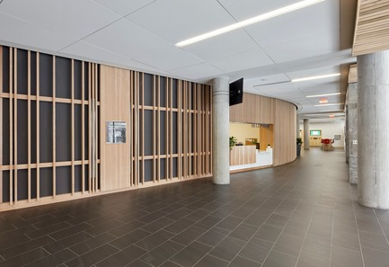 Press kit | 2681-01 - Press release | The Greenwood College School Expansion - Montgomery Sisam Architects Inc. - Institutional Architecture - Curved Donor Wall and Reception - Photo credit: Michael Van Leur