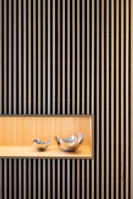 Press kit | 3004-01 - Press release | Maybanke - AJ+C - Residential Architecture - Timber batten wall in the dining room and kitchen<br> - Photo credit: Rose Repetti<br>