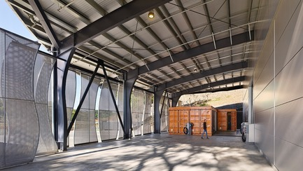 Press kit | 3089-01 - Press release | Odette Estate Winery - Signum Architecture LLP - Industrial Architecture -   Under the winery's covered crush pad stand a laboratory and office created from reclaimed shipping containers.   - Photo credit: Adrian Gregorutti