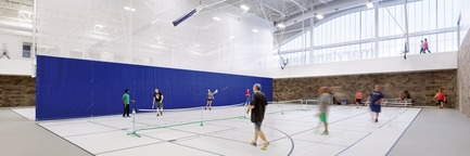 Press kit   1456-01 - Press release   Maryland Heights Community Recreation Center - CannonDesign - Commercial Architecture - Indoor court at Maryland Heights Community Recreation Center - Photo credit: Gayle Babcock