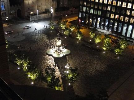 Dossier de presse | 602-12 - Communiqué de presse | La mémoire de la pierre réaménagement de la Place d'Armes - Groupe IBI-CHBA (Lemay) et Direction des grands parcs et du verdissement, Ville de Montréal - Design urbain - Crédit photo : Martine Lessard