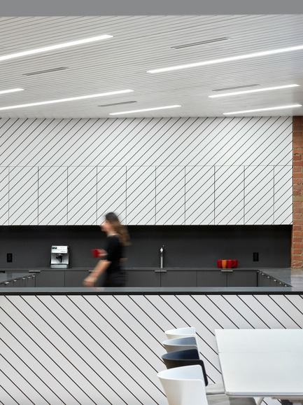 Dossier de presse | 1513-01 - Communiqué de presse | Slack Toronto Office - Dubbeldam Architecture + Design - Design d'intérieur commercial - Crédit photo : Shai Gil