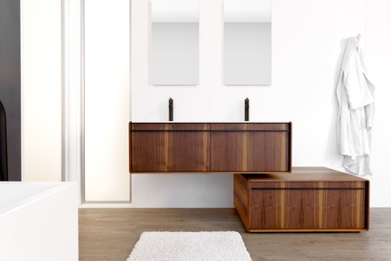 Press kit | 2342-02 - Press release | Introducing Déco Collection - WETSTYLE - Product - Déco 36 inch freestanding vanity and Déco 48 inch wall-mounted vanity. Wood finish: Walnut natural wood and. Stainless steel finish: matte black. - Photo credit: WETSTYLE