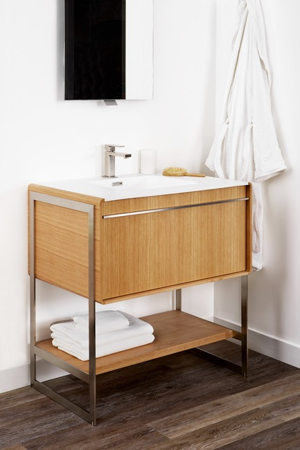 Press kit | 2342-02 - Press release | Introducing Déco Collection - WETSTYLE - Product - Déco 30 inch floor-mount vanity. Wood finish: Oak Natural wood. Stainless steel finish: Brushed metal - Photo credit: WETSTYLE