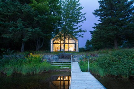 Press kit | 720-11 - Press release | Fenêtre sur le Lac - YH2 - Residential Architecture - Photo credit:  Francis Pelletier
