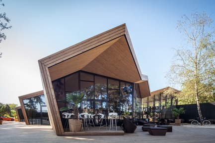 Dossier de presse | 1018-06 - Communiqué de presse | METAFORM Architects Opens Subsidiary in Dubai - Metaform architects - Event + Exhibition -  Boos Beach Club Restaurant  - Crédit photo : Steve Troes Fotodesign