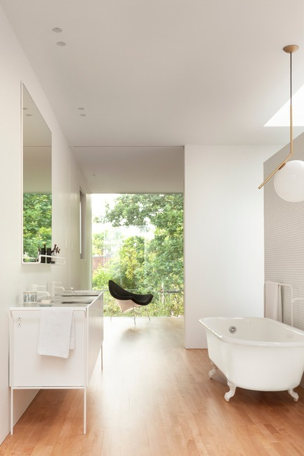 Press kit | 673-19 - Press release | Dévoilement des lauréats de la 11e édition des GRANDS PRIX DU DESIGN - Agence PID - Competition - Bathroom award<br>Maison Wilson<br>la SHED architecture - Photo credit: Maxime Brouillet