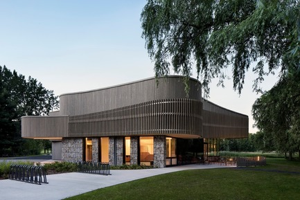 Press kit | 673-19 - Press release | 11th GRANDS PRIX DU DESIGN Awards Winners Announced - Agence PID - Competition - Centre de découverte et de services du parc national des<br>Îles-de-Boucherville<br>Smith Vigeant Architectes - Photo credit: Adrien Williams