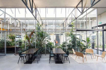 Dossier de presse | 3160-02 - Communiqué de presse | Frame Awards 2018 Winners Announced In Amsterdam - Frame - Design d'intérieur commercial - Space Encounters - Jury Prize for                                                 Emerging Designer of the Year<br> - Crédit photo : Joolz Headquarters, Amsterdam