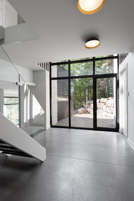 Press kit | 1678-03 - Press release | De La Canardière Residence - Atelier BOOM-TOWN - Residential Architecture - Lobby - Photo credit: Steve Montpetit