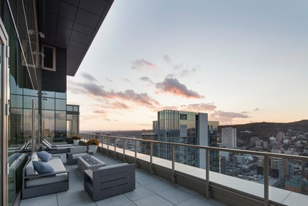 Press kit | 625-16 - Press release | Belvedere - Desjardins Bherer - Residential Interior Design -  Belvedere - terrace  - Photo credit: Adrien Williams