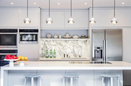Dossier de presse | 1701-03 - Communiqué de presse | Highgate Hill - LLI Design - Design d'intérieur résidentiel - Kitchen - Straight On - Crédit photo : Photography / Styling : Rick Mccullagh / LLI Design
