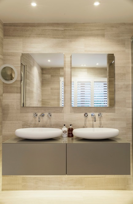 Press kit | 1701-03 - Press release | Highgate Hill - LLI Design - Residential Interior Design - Master Ensuite - Vanity Unit - Photo credit: Photography / Styling : Rick Mccullagh / LLI Design