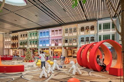 Press kit | 1089-04 - Press release | Moment Factory Was Commissioned by Singapore's Changi Airport Group to Create Major New Experiential Media Features - Moment Factory - Multimedia Design - Peranakan Love Story - Photo credit: Moment Factory