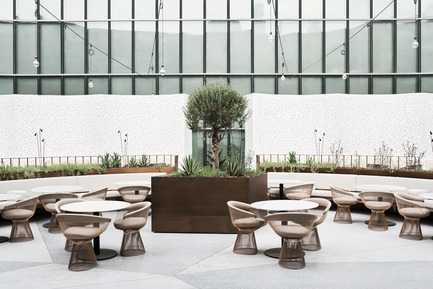 Press kit | 2887-02 - Press release | Sean Connolly at Dubai Opera - Alexander &CO. - Commercial Interior Design - Photo credit: Brooke Holm