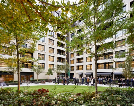 Press kit | 2317-01 - Press release | A New Oasis Off London's Oxford Street - Make Architects - Residential Architecture - Planting has been designed to provide colour all year round - Photo credit: Edmund Sumner