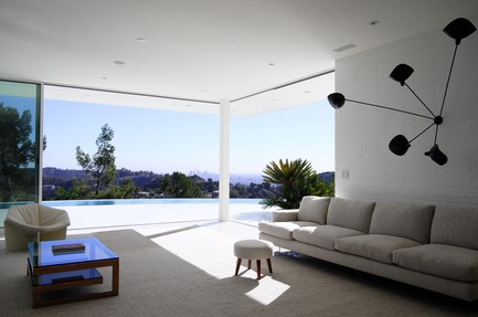 Press kit | 2933-01 - Press release | Residence Overlooking Mulholland Drive - Heusch Inc. - Residential Architecture - Living Room - Photo credit: Gerhard Heusch