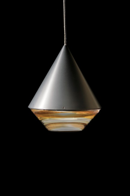Press kit | 2024-01 - Press release | Canadian Lighting Company Archilume Unveils Three New LED Luminaire Lines at  ICFF May 20-23, 2018 - Archilume - Lighting Design - Alto's form finishes at its base with a jewel-like transparent element reminiscent of a craftsman cut diamond.  - Photo credit: Archilume