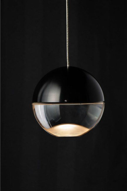 Press kit | 2024-01 - Press release | Canadian Lighting Company Archilume Unveils Three New LED Luminaire Lines at  ICFF May 20-23, 2018 - Archilume - Lighting Design - Aura's upper hemisphere is crafted of aircraft grade machined aluminum in anodized finishes while the lower portion is a clear optical lens. - Photo credit: Archilume