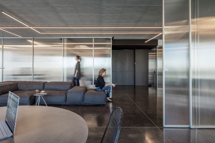 Press kit | 2949-05 - Press release | Basix HQ Wins AIA SF Award2018 - Axelrod Design - Commercial Interior Design -  Basix  Headquarters, Tel Aviv. Interior Architecture by Irit Axelrod, Axelrod  Design. 2018 AIA SF Interior Architecture Merit Award Winner. - Photo credit: Amit Geron, photographer