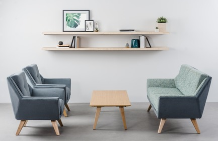 Press kit | 1867-03 - Press release | A New Office Furniture Distribution Group is Born - EMBLM - Commercial Interior Design -  Novelty Neocon 2018 EMA collection by Rouillard<br>EMA by Rouillard, presented at Neocon 2018, is a complete lounge collection with a definite Resimercial feel.&nbsp;<br>Rouillard is a partner of EMBLM - Photo credit:  Rouillard