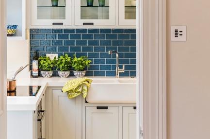 Press kit | 1701-04 - Press release | Victorian Townhouse, Highgate, London - LLI Design - Residential Interior Design - Bespoke Joinery Kitchen - Sink detail - Photo credit: Photography / Styling : Rick Mccullagh / LLI Design