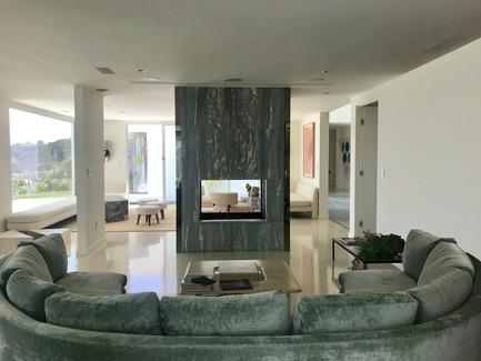Dossier de presse | 2933-01 - Communiqué de presse | Une résidence qui surplombe Mulholland Drive - Heusch Inc. - Architecture résidentielle - Den - Crédit photo : Gerhard Heusch