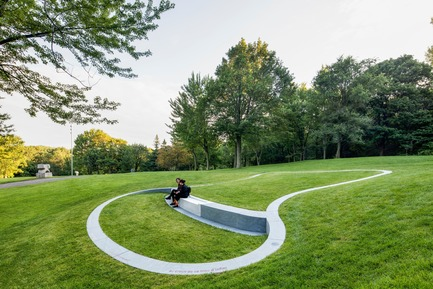 Press kit | 2366-03 - Press release | Le projet montréalais Escales découvertes se distingue à l'international - civiliti avec Julie Margot design - Landscape Architecture - Overall view of a halt with one of the borders used as a public seating area<br> - Photo credit: Adrien Williams