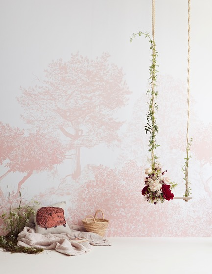 Press kit | 3382-01 - Press release | Sian Zeng's Hua Trees Mural Collection Immerses Viewers into a Lush Forest Landscape - Sian Zeng - Product - Hua Trees Wallpaper Mural in Pink - Photo credit:  Jon Day Styling:Charlotte Love