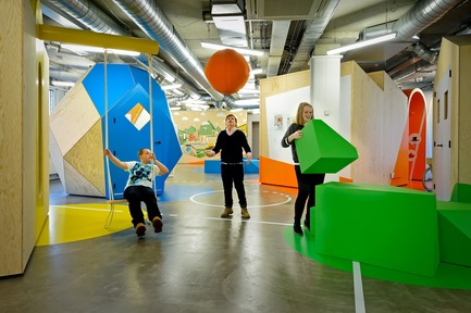 Dossier de presse | 1997-05 - Communiqué de presse | European Healthcare Design WinnerCOACH - Interactive and Playful Centre for Overweight Adolescent and Children's Healthcare of the Maastricht UMC+ - Tinker imagineers - Commercial Interior Design - COACH is a playful and interactive centre for overweight children and young adults - Crédit photo : Mike Bink