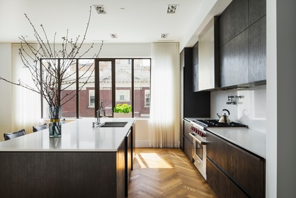 "Press kit | 2185-04 - Press release | Home in Little Italy - Audax - Residential Interior Design - <p class=""MsoNormal""><span style=""font-size: 9pt; line-height: 107%; font-family: Arial, sans-serif; color: rgb(153, 153, 153); background-image: initial; background-position: initial; background-size: initial; background-repeat: initial; background-attachment: initial; background-origin: initial; background-clip: initial;"">Wire brushed oak veneer kitchen cabinets with smoked oak herringbone floors</span></p> - Photo credit: Erik Rotter"