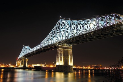 Dossier de presse | 809-23 - Communiqué de presse | AZURE Announces the Winners of the 2018 AZ Awards - AZURE - Competition - 2018 AZ Awards -&nbsp;Best Lighting Installations<br>Moment Factory: Jacques Cartier Bridge Interactive Illumination, Montreal, Quebec, Canada - Crédit photo : AZURE