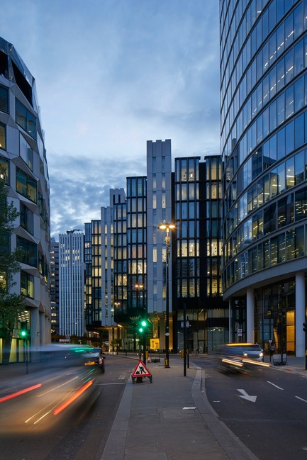 Press kit | 2317-04 - Press release | London Wall Place:Building on history - Make Architects - Commercial Architecture - 1 London Wall viewed from the street - Photo credit: Make Architects