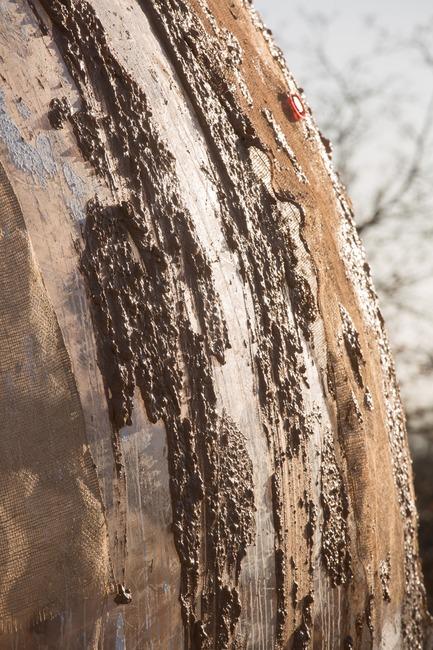 Dossier de presse | 2176-06 - Communiqué de presse | designjunction Unveils Groundbreaking Installations and Special Features for this Year's Show - designjunction - Event + Exhibition - Mud Shell developed by Stephanie Chaltiel, Riverside Walkway - Crédit photo : designjunction 2018