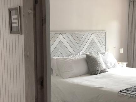Press kit | 3385-01 - Press release | Découvrez le Boho Dunham - KABIN inc. - Commercial Interior Design -  BOHO Dunham Interior - Private rooms  - Photo credit: KABIN