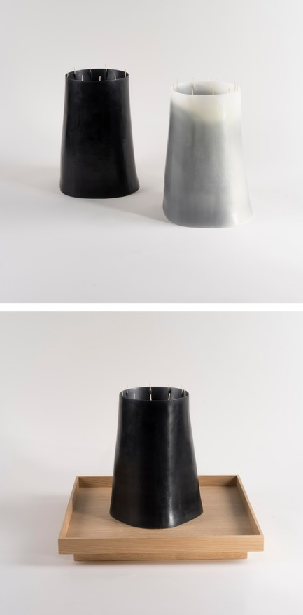 Dossier de presse | 2757-06 - Communiqué de presse | UMÉ Studio Unveils New Limited Edition Items - UMÉ STUDIO - Produit -  Candle Pit in Black & White. Made from 100% Beeswax.  - Crédit photo : William Boice