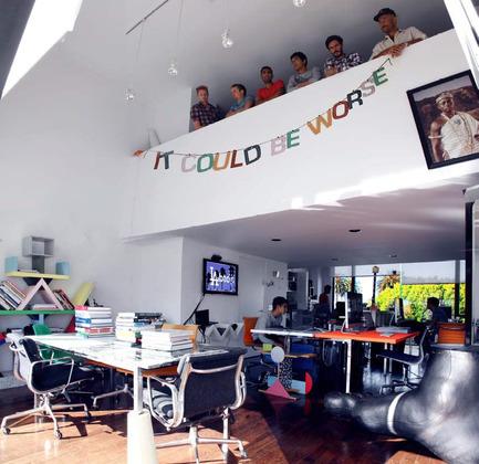 Dossier de presse | 1049-01 - Communiqué de presse | Extension des bureaux de la SETEC international / Extension du bâtiment de bureaux existant de Jean Prouvé - Sériès et Sériès - Architecture commerciale - Sériès et Sériès Agency - Crédit photo : Sériès et Sériès