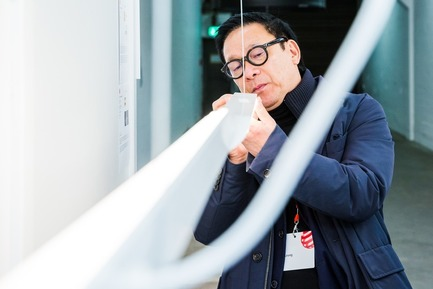 Press kit | 1696-22 - Press release | Red Dot Award: Product Design Begins – Call for Entries Open to Designers and Manufacturers Worldwide - Red Dot Design Award - Competition - Steve Leung, Red Dot jury member, during the adjudication<br> - Photo credit: Red Dot<br>
